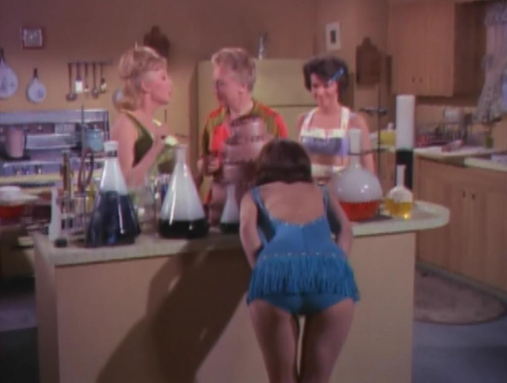 GirlsOnTheBeach1965