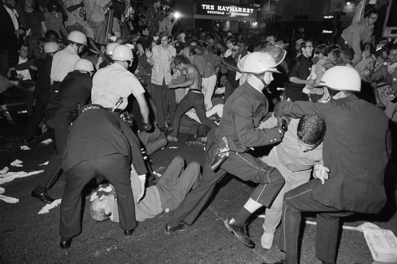 Outside the 1968 Democratic Convention, riots in Chicago